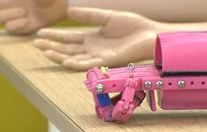 Студенты напечатали роботизированный протез руки